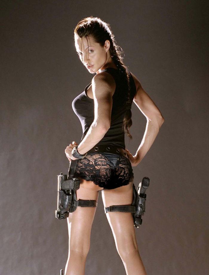 Lara Croft (designcrowd.com)