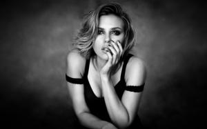 Scarlett Johansson (Rochel Carlyle/Themes.com)