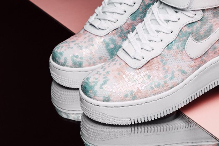Air Force 1 Upstep Hi LX (Nike/Feature Sneaker Boutique)