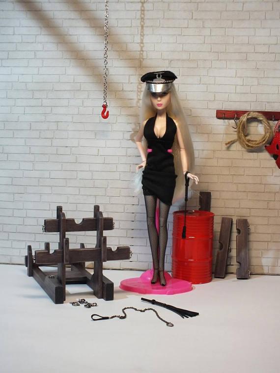 Barbie BDSM (Mick)