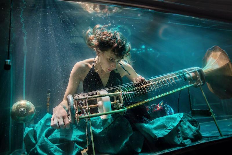 Nanna Bech in AquaSonic (Charotta de Miranda)