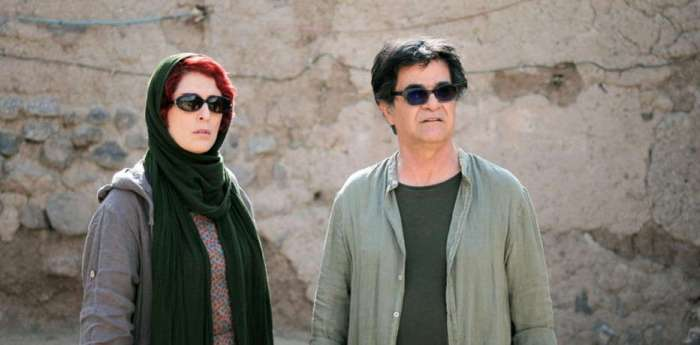 MIGLIOR SCENEGGIATURA: Jafar Panahi e Nader Saeivar (3 Faces)