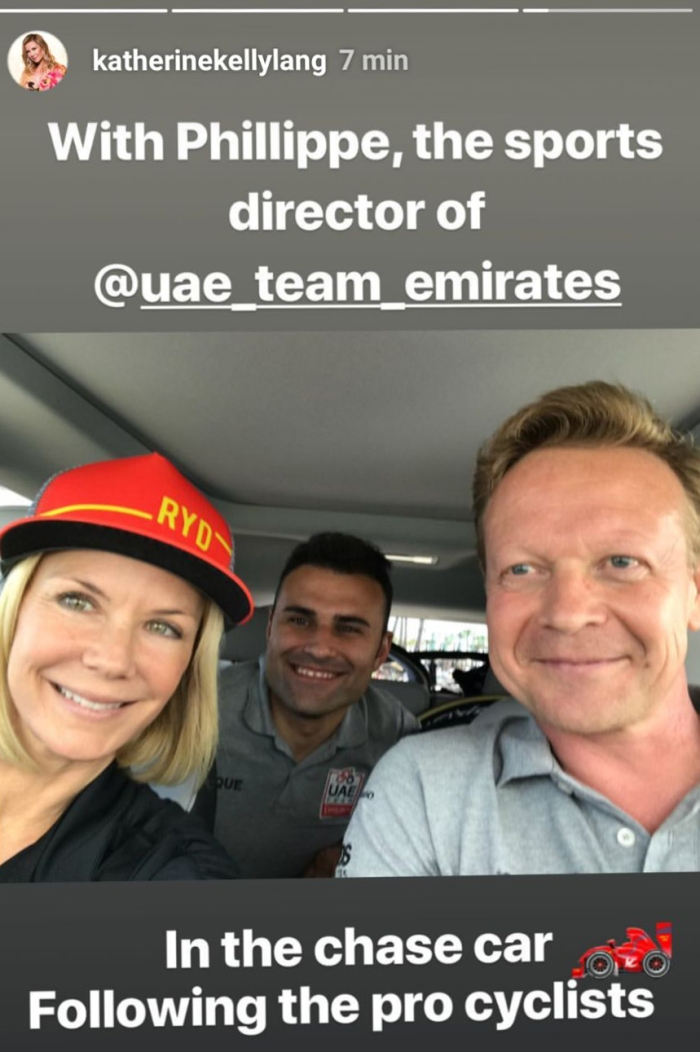 Katherine Kelly Lang a bordo dell'ammiraglia della UAE Team Emirates (KatherineKellyLang/Instagram)