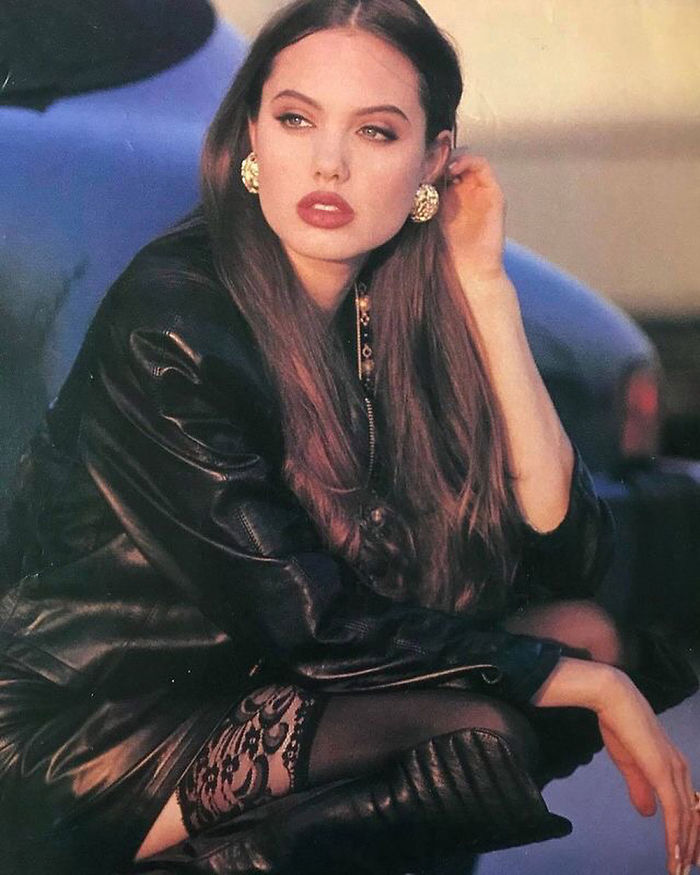 Angelina Jolie (Velvet Coke/Instagram)
