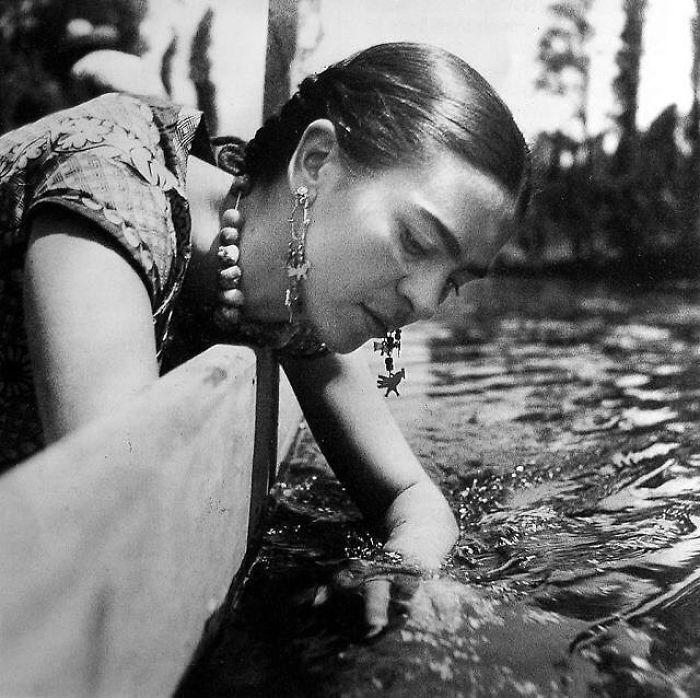 Frida Kahlo (Velvet Coke/Instagram)