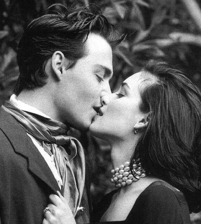 Johnny Depp e Winona Ryder - 1991 (Velvet Coke/Instagram)
