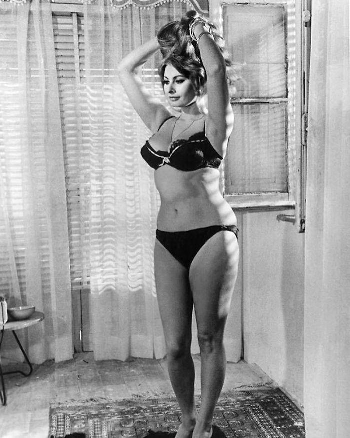 Sophia Loren - 1965 (Velvet Coke/Instagram)